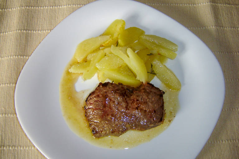 Steak v pomarančni marinadi